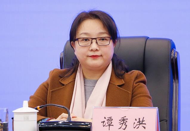谭秀洪简历:谭秀洪任北海市委常委、常务副市长,曾任广西商务厅副厅长、自贸区办公室副主任